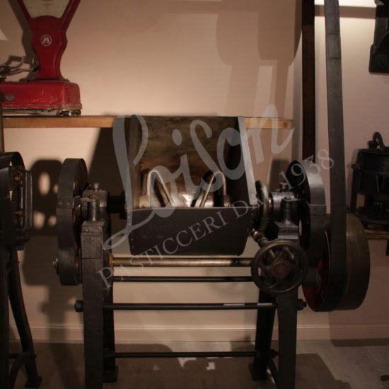museum-loison-collezione-macchinari-impastatrice-meccanica-mechanical-kneader-01