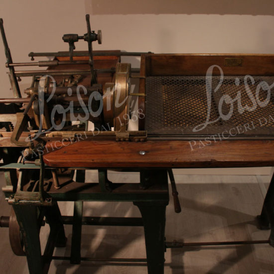 museum-loison-collezione-macchinari-machines-wrappimg-machine-rose-bros-01